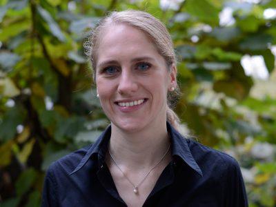 Dr. Ursula Manunzio